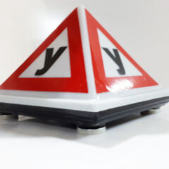 Знак учебный автомобиль на авто