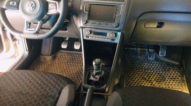 педали на авто Volkswagen Polo