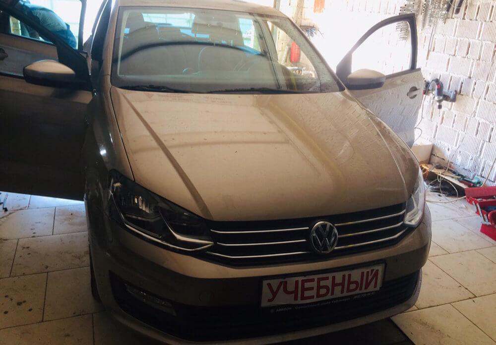 Volkswagen Polo МКПП  ГАЗ