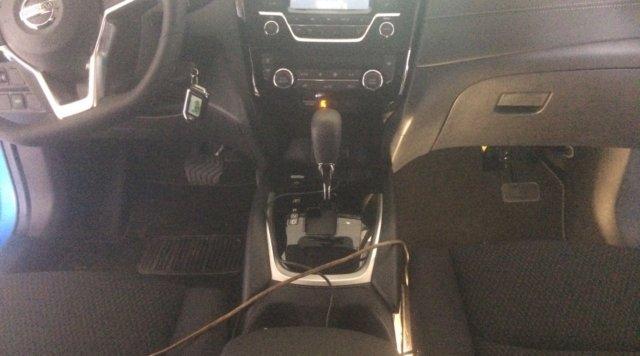 установка педалей в Nissan Qashqai